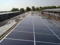 """Impianto Fotovoltaico 1500 kWp su Stalla con Pannelli Fotovoltaici Microamorfi. Soluzione integrata con inveter centralizzati """"Master & Slave"""" e moduli fotovoltaici di diversa tecnologia in base a orientamento e inclinazione."""