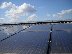 Moduli Fotovoltaici in Policristallino   Impianto Fotovoltaico 350 kWp. Soluzione parzialmente integrata con 25 Inverter di Stringa
