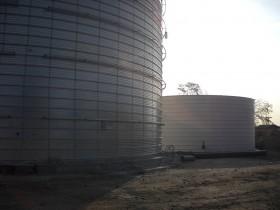 Biodigestore impianto BIOGAS 250 kWe per azienda agricola. Funzionamento totalmente con liquami bovini